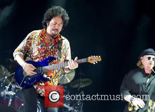 Toto, Joseph Williams and Steve Lukather 6