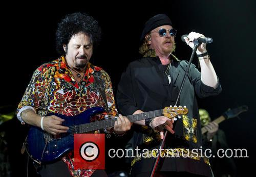Toto, Joseph Williams and Steve Lukather 9