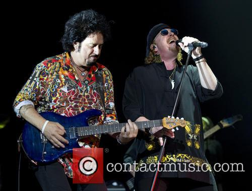 Toto, Joseph Williams and Steve Lukather 11