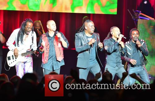 Wind And Fire, Verdine White, Ralph Johnson, Philip Bailey and B. David Whitworth 11