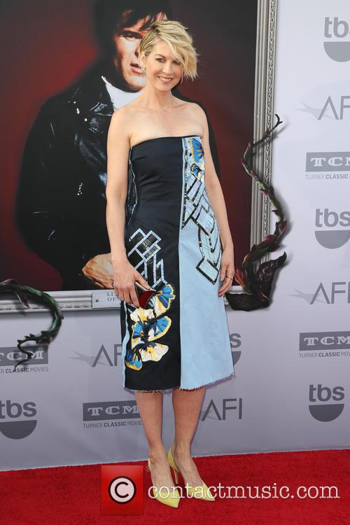 Jenna Elfman 8