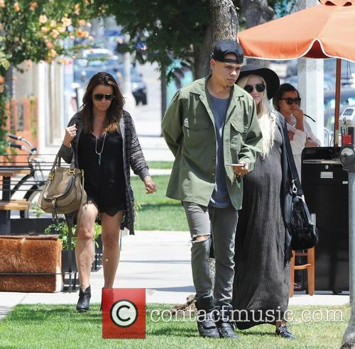 Ashlee Simpson, Evan Ross and Tina Simpson