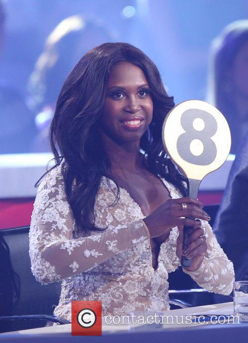 motsi mabuse 39 let 39 s dance 39 season 8 finale 3 pictures. Black Bedroom Furniture Sets. Home Design Ideas