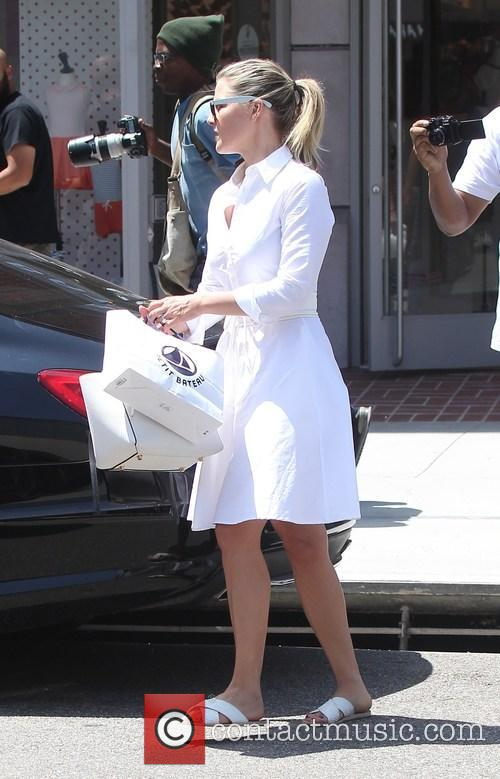 Ali Larter shops for baby clothes at Petit...