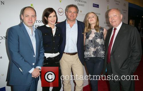 Gareth Neame, Elizabeth Mcgovern, Hugh Bonneville, Laura Carmichael and Julian Fellowes 7