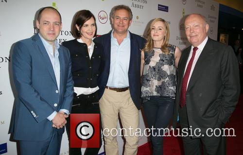 Gareth Neame, Elizabeth Mcgovern, Hugh Bonneville, Laura Carmichael and Julian Fellowes 8