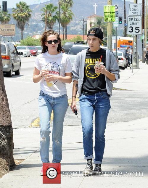Kristen Stewart and Alicia Cargile 7