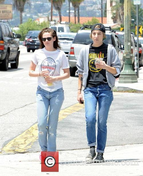 Kristen Stewart and Alicia Cargile 9