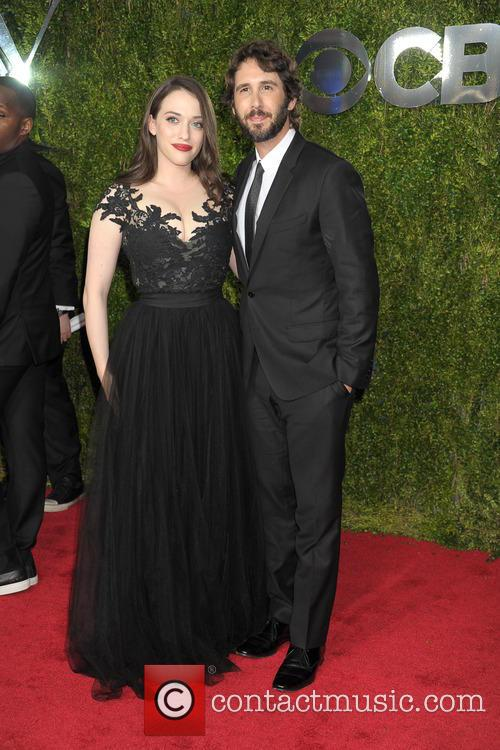 Kat Dennings and Josh Groban 7