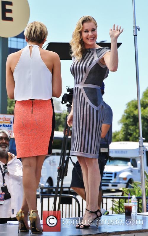 Rebecca Romijn on the set of 'Extra'