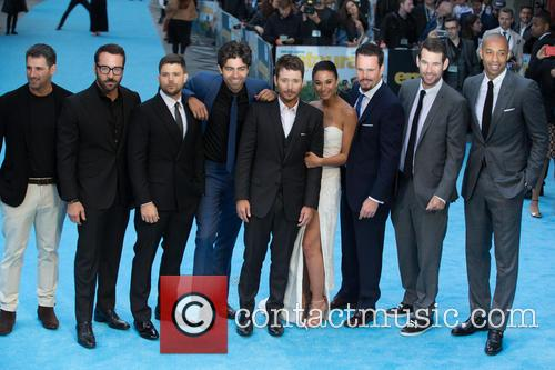 Jeremy Piven, Jerry Ferrara, Adrian Grenier, Kevin Connolly, Emmanuelle Chriqui, Kevin Dillion and Thierry Henry 2