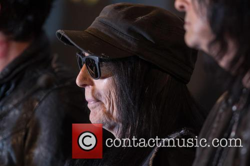 Mick Mars 1