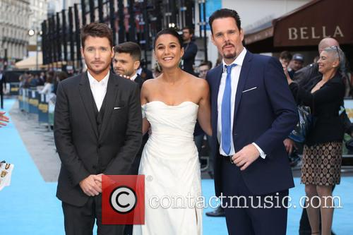 Emmanuelle Chriqui, Kevin Dillon and Kevin Connolly 9