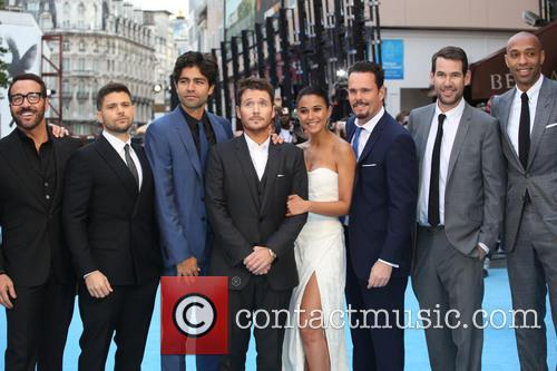 Jerry Ferrara, Adrian Grenier, Kevin Connolly, Kevin Dillon, Jeremy Piven, Emmanuelle Chriqui and Thierry Henry 2