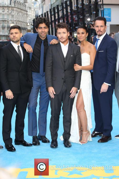Jerry Ferrara, Adrian Grenier, Kevin Connolly, Kevin Dillon and Emmanuelle Chriqui 3