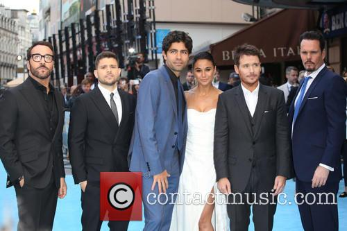 Jeremy Piven, Jerry Ferrara, Adrian Grenier, Kevin Connolly, Kevin Dillon and Emmanuelle Chriqui 7
