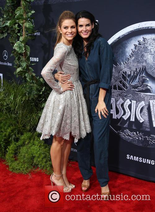 Maria Menounos and Angie Harmon 3