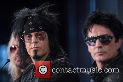 Tommy Lee and Nikki Sixx 7