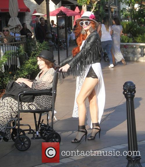 Phoebe Price and Flora Price 4