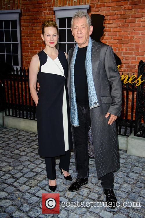 Sir Ian Mckellan and Laura Linney 7