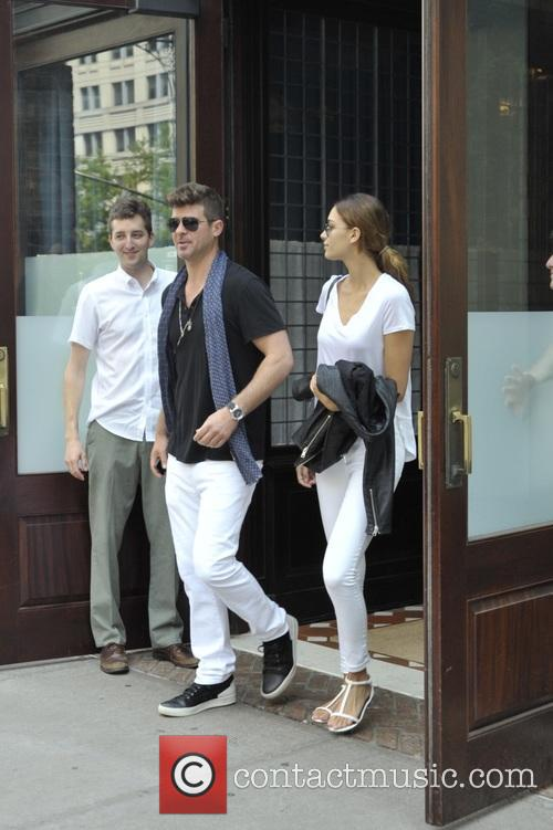 Robin Thicke and April Love Geary 3