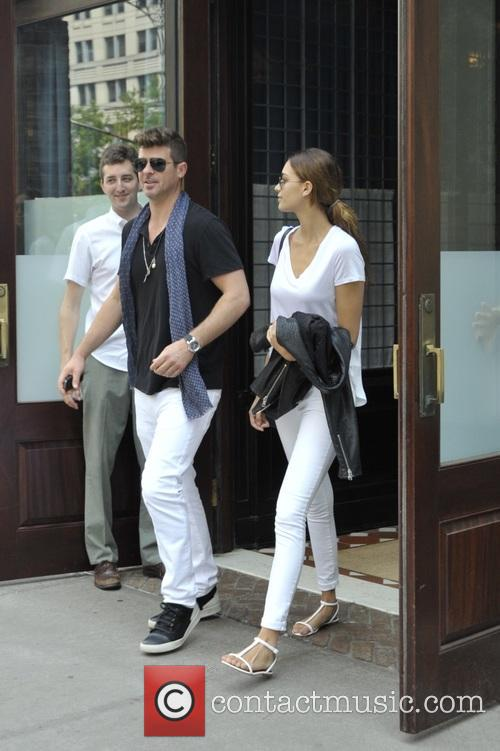 Robin Thicke and April Love Geary 4