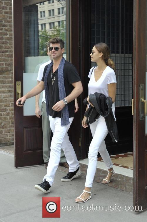 Robin Thicke and April Love Geary 5