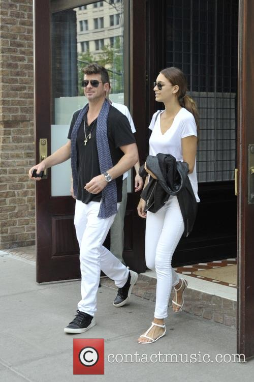 Robin Thicke and April Love Geary 6