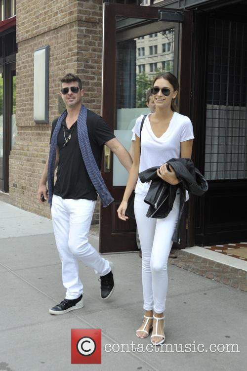 Robin Thicke and April Love Geary 1