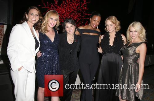 Amy Landecker, Zachary Drucker, Karen Dixon, Aisha Tyler, Wendi Mclendon-covey and Renee Olstead 9