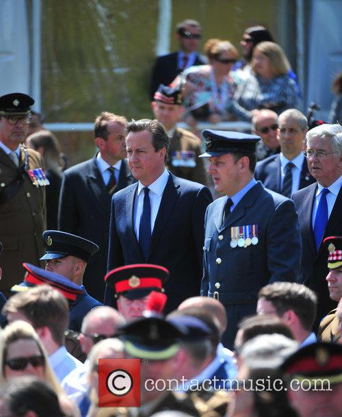 Atmosphere, Prince Harry and David Cameron 5
