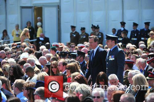 Atmosphere, Prince Harry and David Cameron 7
