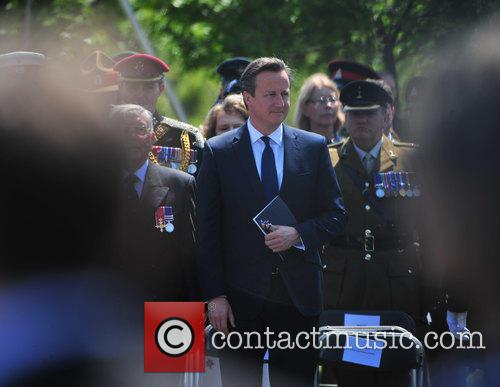 Atmosphere, Prince Harry and David Cameron 8