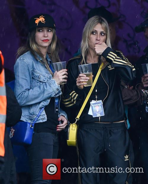 Natalie Appleton and Nicole Appleton 7