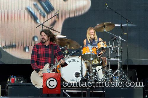 Dave Grohl, Taylor Hawkins and Foo Fighters 9