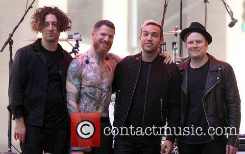 Joe Trohman, Andy Hurley, Pete Wentz, Patrick Stump and Fall Out Boy 2