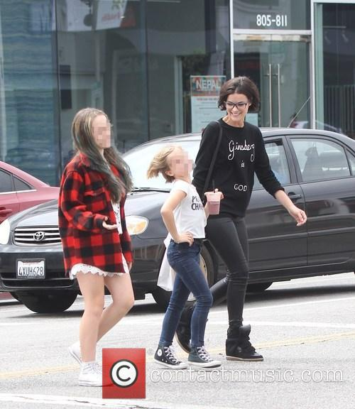 Jaimie Alexander, Lola Facinelli and Fiona Facinelli 10