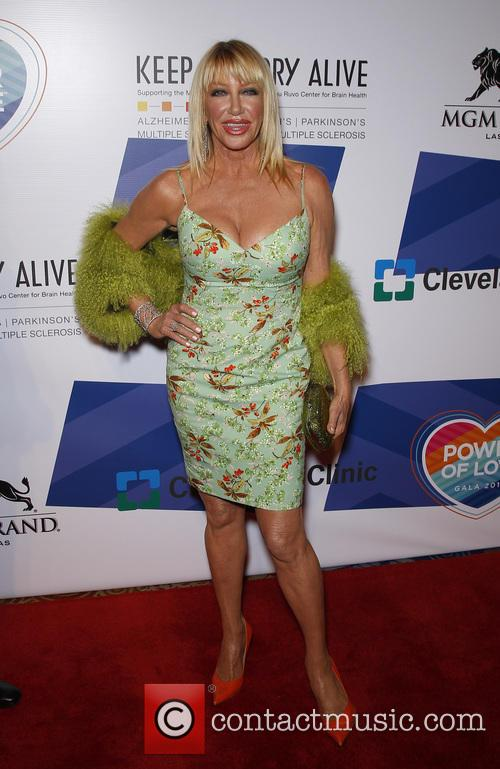 Suzanne Somers 3