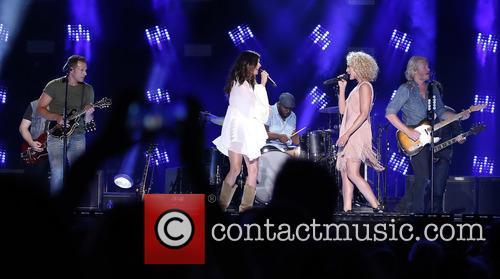 2015 CMA Music Festival LP Field Day 3