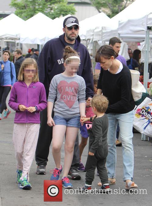 Ben Affleck, Violet Affleck and Samuel Garner Affleck 6
