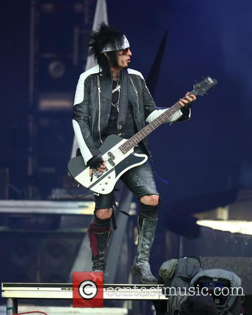 Nikki Sixx and Mötley Crüe 8