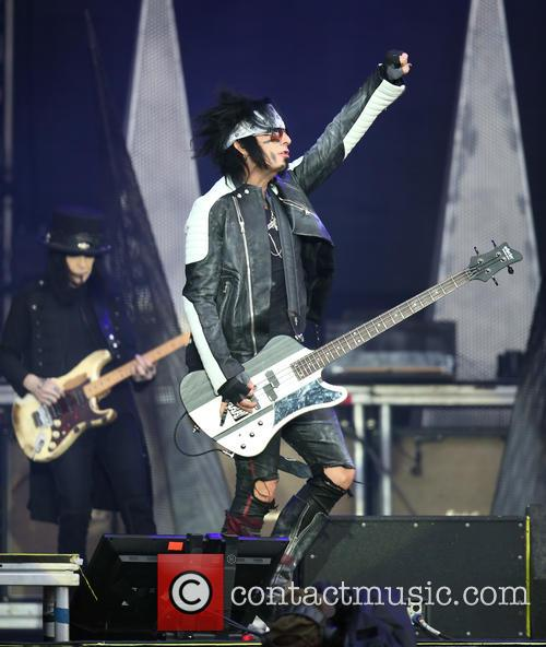 Nikki Sixx and Mötley Crüe 9