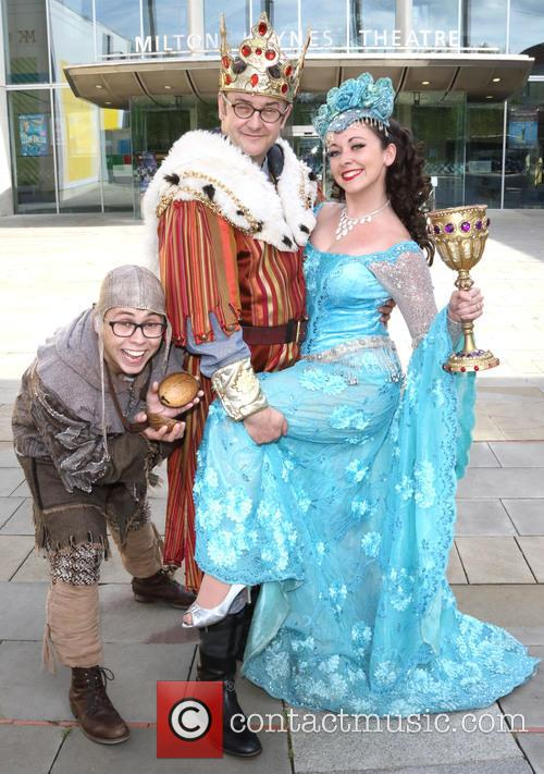 Joe Tracini, Joe Pasquale and Sarah Earnshaw 3