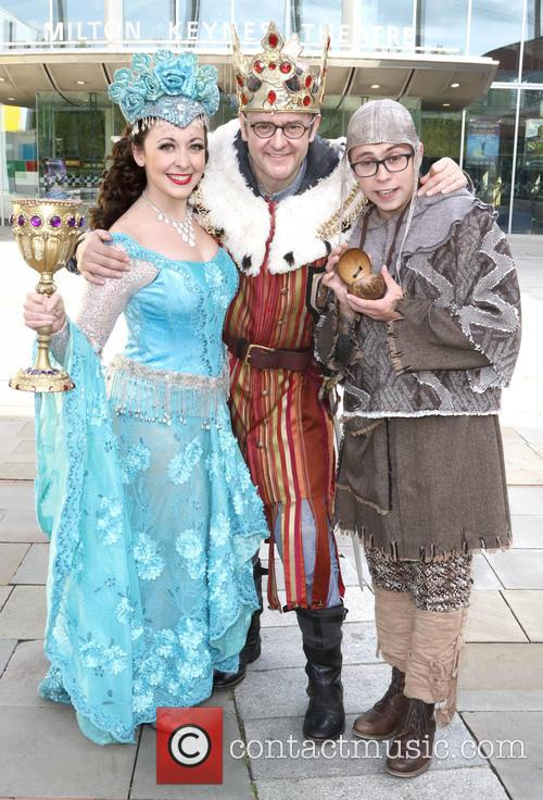 Sarah Earnshaw, Joe Pasquale and Joe Tracini 2