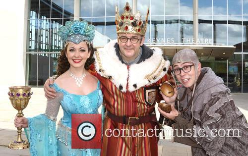 Sarah Earnshaw, Joe Pasquale and Joe Tracini 1