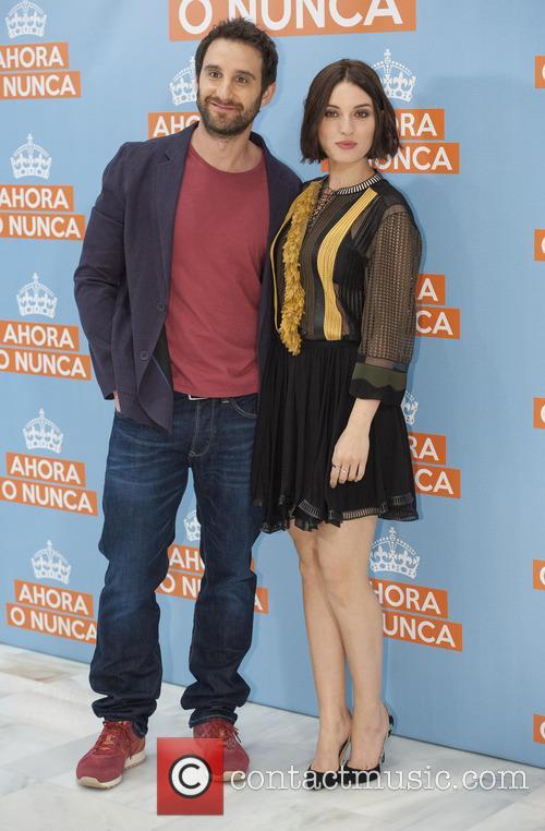 Dani Rovira and Maria Valverde 5