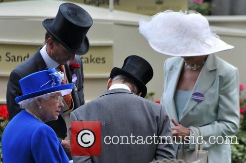 Hrh Queen Elizabeth Ii, Duchess Of Gloucester and Duke Of Gloucester 4