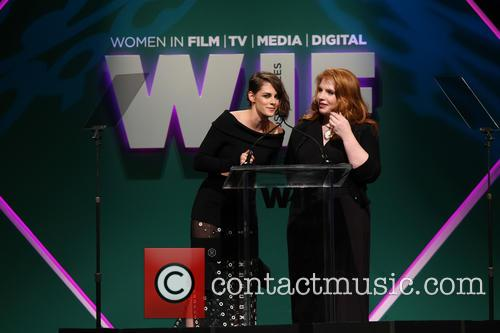 Kristen Stewart and Stephanie Meyer 3