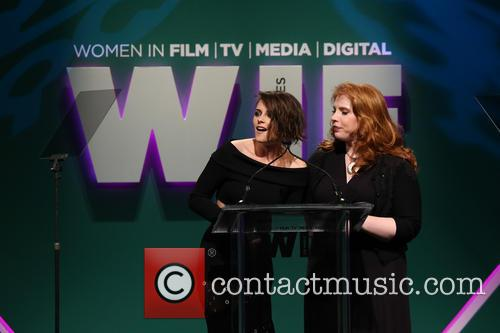 Kristen Stewart and Stephanie Meyer 5