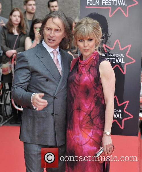 Robert Carlyle and Ashley Jensen 10